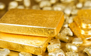 Gold declined to a three-week low Monday