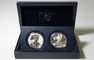 Photo of 2013 American Silver Eagle Two-Coin Set