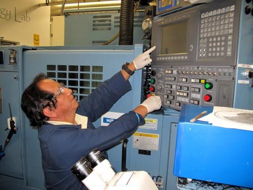 Luis Cocha Operating Granger Die Grinder