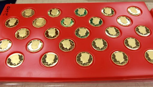 2014 50th Anniversary Kennedy Half-Dollar Gold Proof Coin - Tray View 1