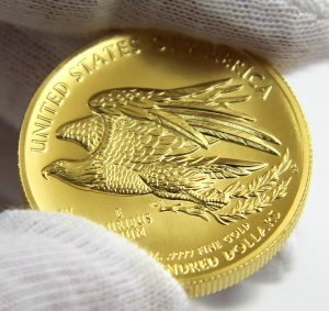 2015-W $100 American Liberty High Relief Gold Coin, Reverse in Hand