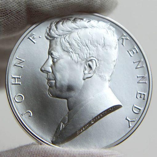 John F. Kennedy Presidential Silver Medal, Obverse