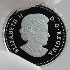 Canadian 2016 $3 Queen Elizabeth Rose Silver Coin, Obverse