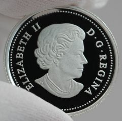 Canadian 2016 $3 Queen Elizabeth Rose Silver Coin, Obverse -a