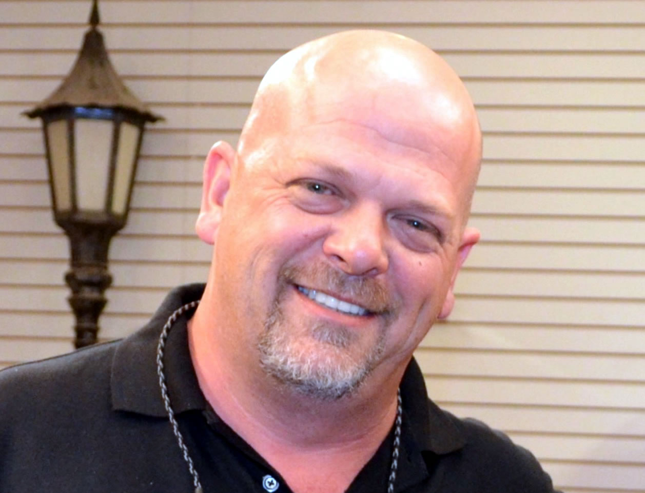 Pawn Stars' Rick Harrison to Shave Standish's Head for ...