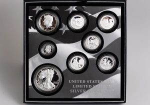 US Mint Sales: 2017 Limited Edition Silver Proof Sets Dips to 49,314