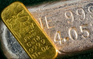 For the week, gold rose 0.4% and silver gained 0.5%